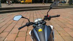 Sym NH-X 125: la prova della naked chic dal prezzo low cost - Immagine: 33