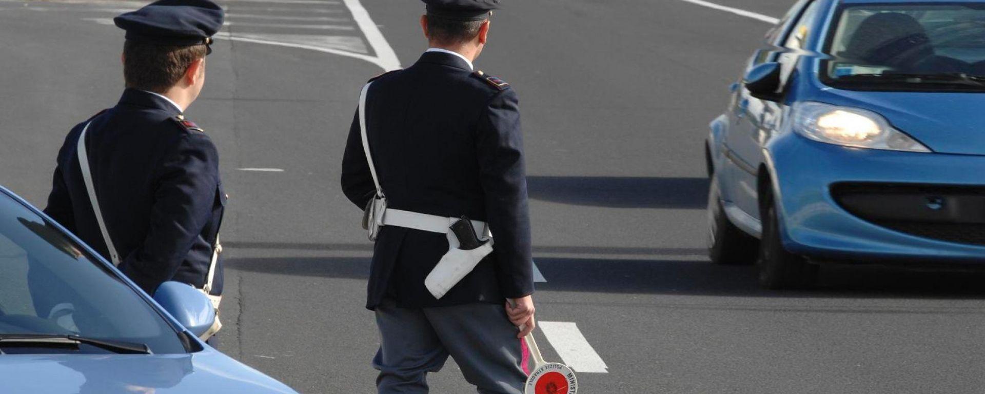 Targa straniera e residenza in Italia, arrivano le prime multe