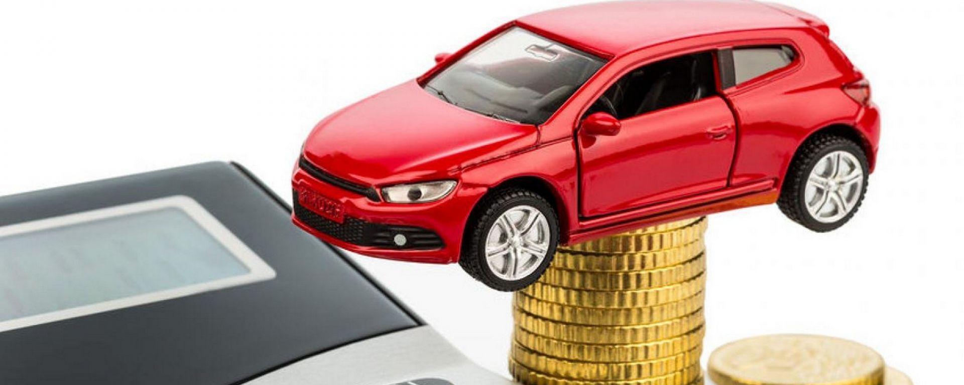 Tasse auto, italiani tra i più vessati in Europa
