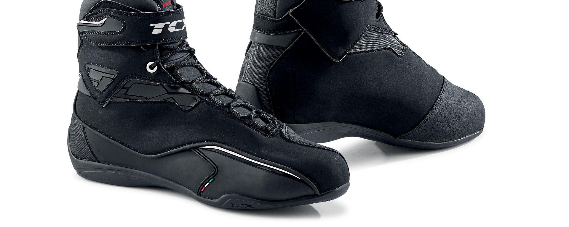 TCX Zeta WP, le nuove scarpe per i commuter delle due ruote