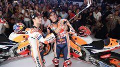 Team Honda Repsol 2018, il selfie di Marquez e Pedrosa