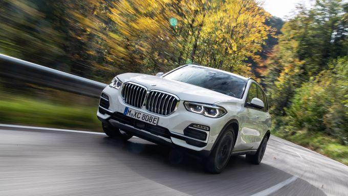 Tempo di ibrido anche per la BMW X3