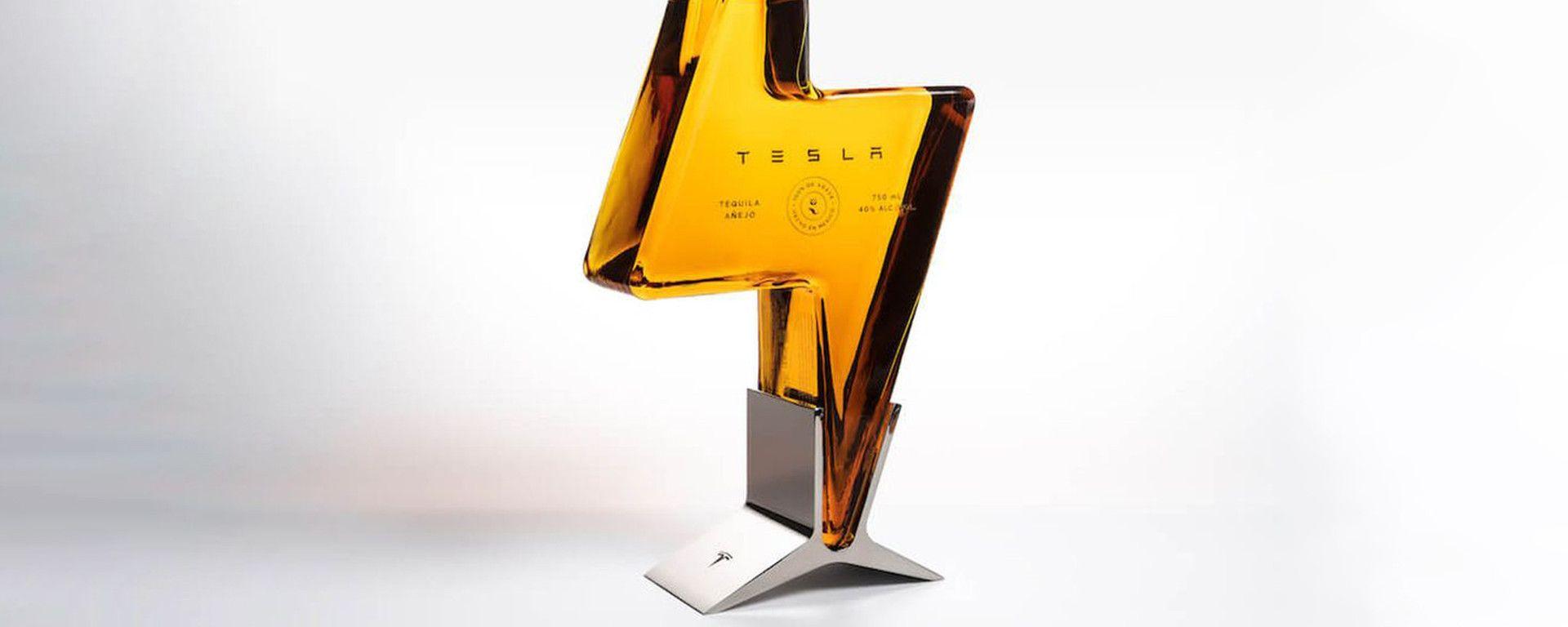 Tequila by Tesla: la bottiglia