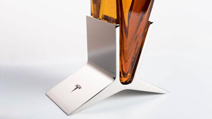 Tequila by Tesla: particolare della bottiglia