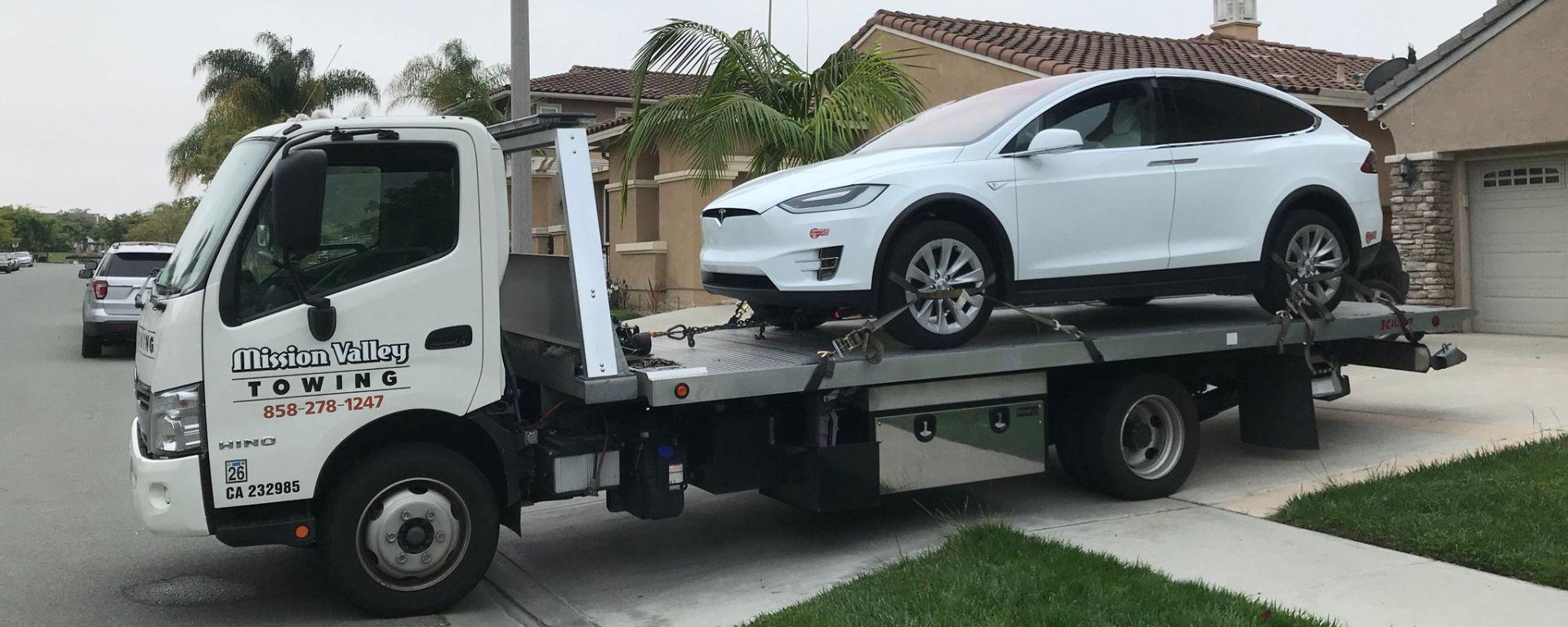 Tesla: 158mila vetture a rischio richiamo