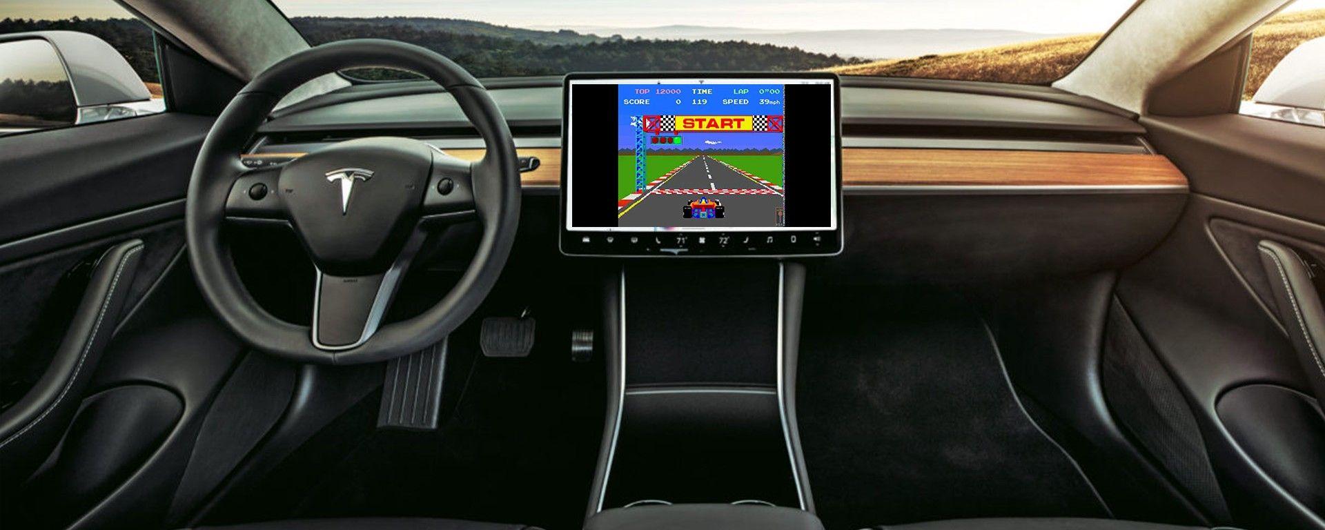 Tesla: arrivano i videogiochi Atari comandabili dal volante