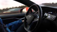 Tesla Autopilot: guida autonoma Livello 2