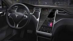 Tesla Autopilot: il display infotainment della Model S