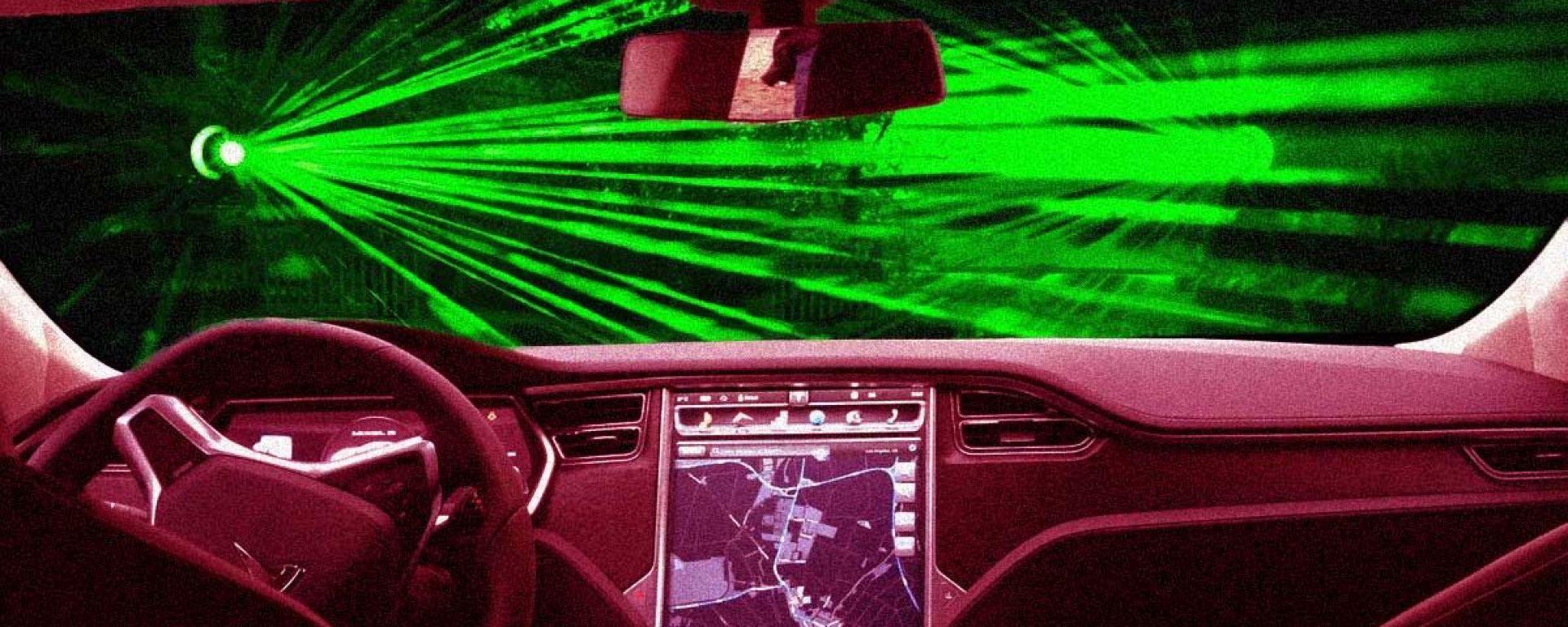 Tesla brevetta una tecnologia a raggi laser per la pulizia dei tergicristalli (immagine di Maurizio Pesce/Victor Tangermann)