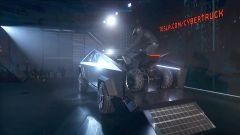 Tesla Cybertruck carica a bordo il Tesla ATV