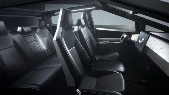 Tesla Cybertruck: gli interni