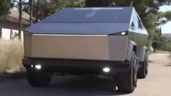 Tesla Cybertruck, anzi no: Ford F-150 Raptor trasformato [VIDEO] - Immagine: 3