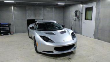Tesla iniziò da una Lotus Elise, questo ragazzo ha iniziato da una Evora e ci ha messo un motore Tesla
