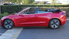 Tesla Model 3 cabrio laterale