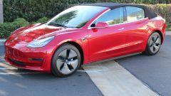 Tesla Model 3 cabrio tetto chiuso