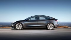 Tesla Model 3: in video dal Salone di Parigi 2018 - Immagine: 4