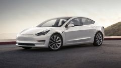 Tesla Model 3: in video dal Salone di Parigi 2018 - Immagine: 10