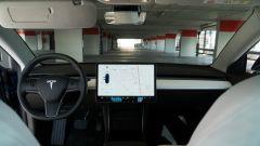 Tesla Model 3 Dual Motor, oltre all'Autopilot c'è di più - Immagine: 11