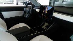 Tesla Model 3 Dual Motor, oltre all'Autopilot c'è di più - Immagine: 15