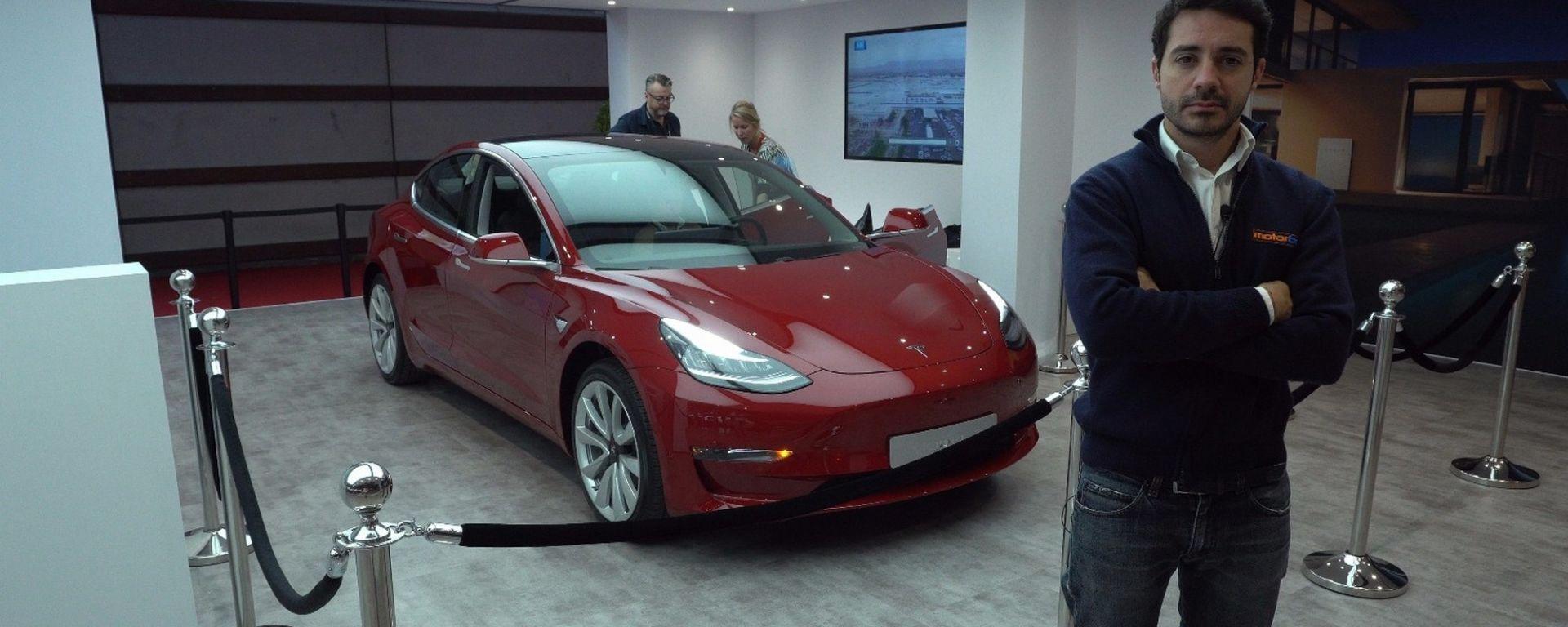 Tesla Model 3, eccola a Parigi 2018