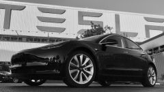 Tesla Model 3: Elon Musk presenta quella ufficiale - Immagine: 1