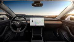 Tesla Model 3, gli interni