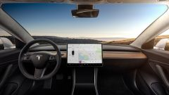 Tesla Model 3: gli interni