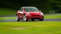 Tesla Model 3: i consigli del pilota francese Sebastian Vittel