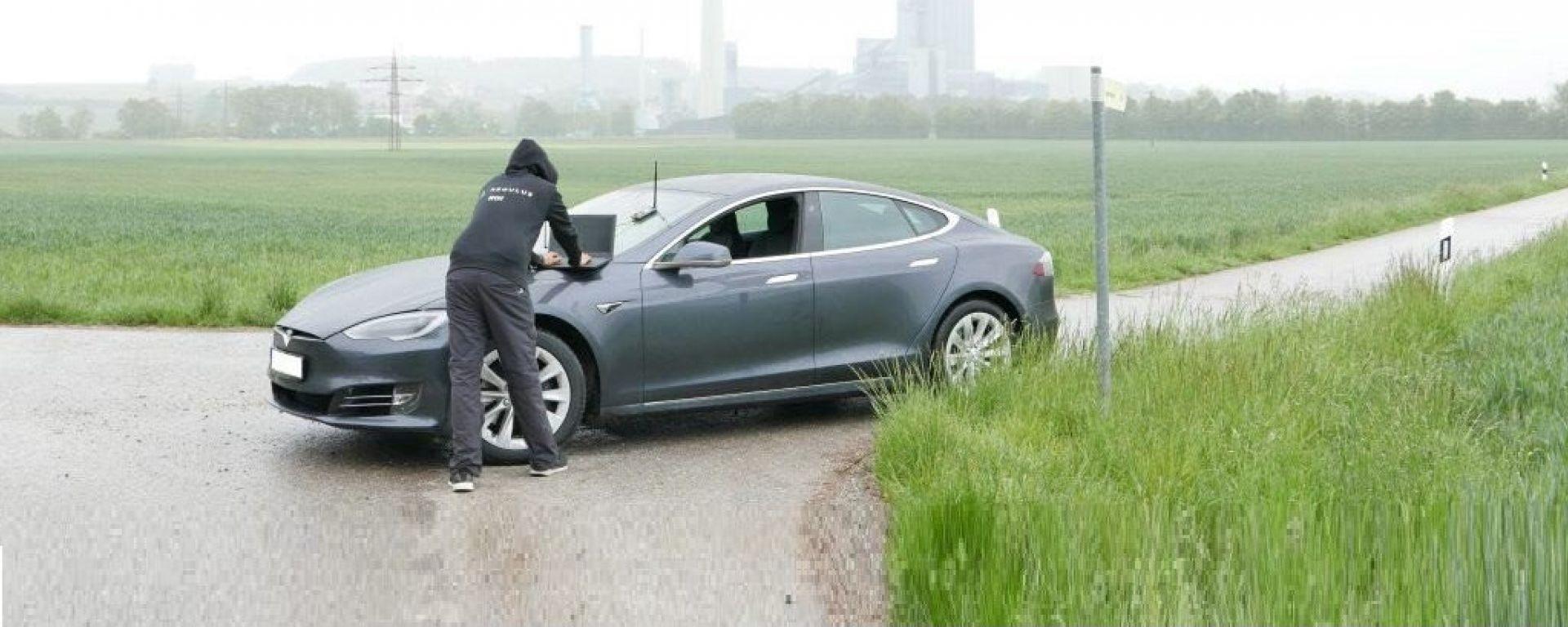 Tesla Model 3: il test di Regulus Cyber