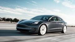 Tesla Model 3, in Italia la Dual Motor parte da 59.600 euro - Immagine: 2