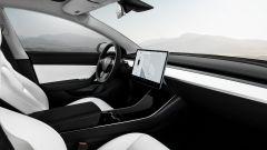 Tesla Model 3, la Standard Range anche in Italia. Il prezzo - Immagine: 3