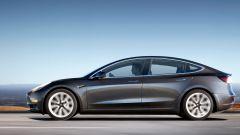 Tesla Model 3, la Standard Range anche in Italia. Il prezzo - Immagine: 5