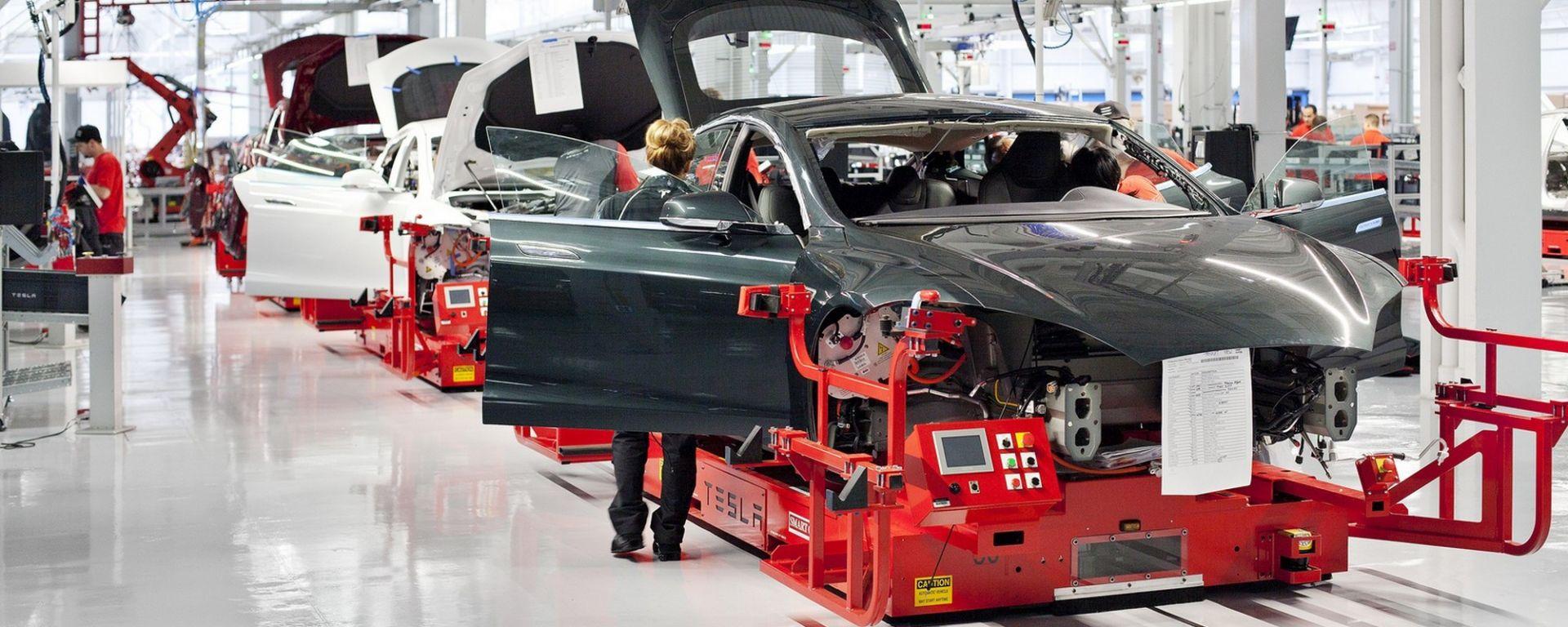 Tesla Model 3, produzione a rilento: colpa delle componenti difettose?