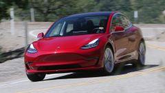 Tesla Model 3, la prova della stampa inglese. I pro e contro - Immagine: 2
