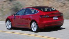 Tesla Model 3, la prova della stampa inglese. I pro e contro - Immagine: 3