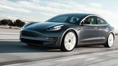 Tesla Model 3, tutti i segreti di gomme, telaio, freni e sospensioni