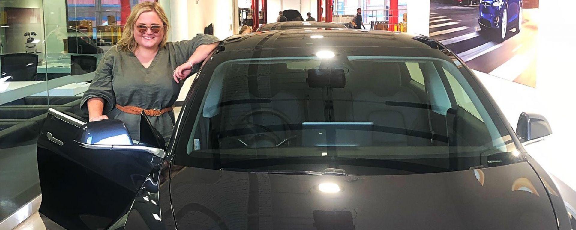 Tesla Model 3: un tentativo di furto finito male, grazie all'app