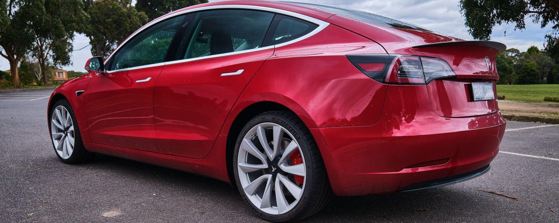 Tesla Model 3: venduta in oltre 120.000 esemplari fino a novembre 2019