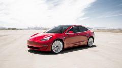 Tesla Model 3, vista 3/4 anteriore