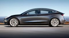 Tesla Model 3: vista laterale