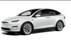 Tesla Model S e Model X 2021: il 3/4 anteriore del SUV elettrico