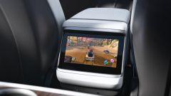 Tesla Model S e Model X 2021: lo schermo posteriore per giocare