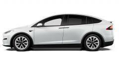 Tesla Model S e Model X 2021: una vista di profilo della Model X