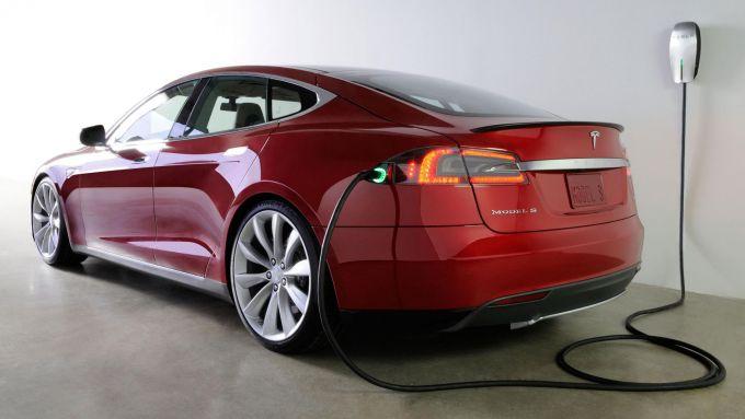 Tesla Model S in carica