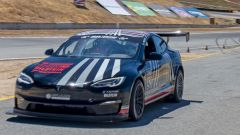 Tesla Model S Plaid alla Pikes Peak: la sfida del team Unplugged Performance