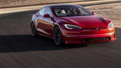 Tesla Model S Plaid, il video del crono record sul 1/4 di miglio