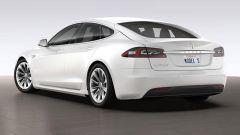 Tesla Model S: ecco il primo restyling della coupé di Elon Musk - Immagine: 10