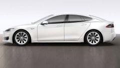 Tesla Model S: ecco il primo restyling della coupé di Elon Musk - Immagine: 11