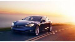 Tesla Model S sfida il Nurburgring