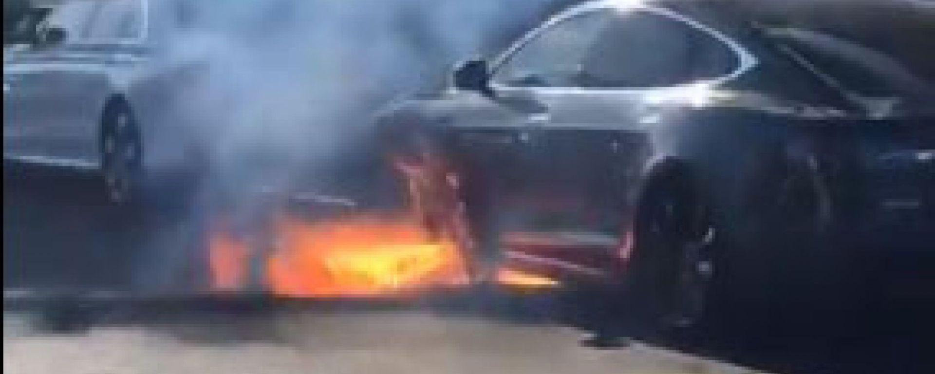 Tesla Model S, tre esemplari a fuoco in un mese